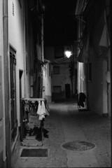 Drying the laundry (Covilhã) (lebre.jaime) Tags: portugal beira covilhã architecture streetphotography nocturnal nightphotography analogic film135 bw blackwhite nb noiretblanc pb pretobranco ptbw kodak tmax3200 tmz2 leicam3 summicron2050dr epson v600 affinity affinityphoto