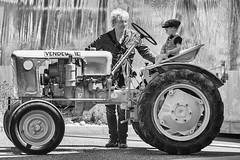 Sur le tracteur (Lucille-bs) Tags: europe france bourgognefranchecomté bourgogne côtedor sombernon tracteur père fils nb monochrome bw ruralité