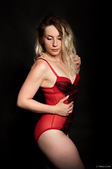 Angélique (henrychristo27 (Christophe)) Tags: lingerie rouge sensuality portraiture women beauty sensuelle studio boudoir feminine girl