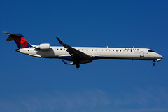 N329PQ (Delta Conn. - Endeavor Air) (Steelhead 2010) Tags: deltaairlines deltaconnection endeavorair bombardier crj crj900 yyz nreg