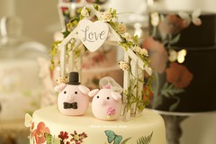 Love pig, piggy MochiEgg with  the handmade wooden outdoor chapel miniature wedding cake topper and custom animals wedding cake decoration ideas (charles fukuyama) Tags: weddingplanning piglet bigday rose weddingdetails weddinginspiration weddingthings weddinggift couplecaketopper handmade unique ceremony claydoll initials sculpted marriage justmarried kikuikestudio hochzeit boda 結婚式 nozze mariage dollhouse homedecor outdoorwedding rusticwedding cartoons characterscaketopper egg