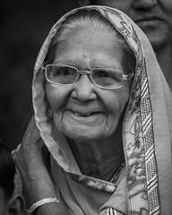 India - Smile - 0602 (Peter Goll thx for +13.000.000 views) Tags: 2019 indien agra uttarpradesh woman frau portrait bw sw