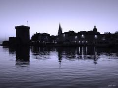 Les ombres de La Rochelle !!! (François Tomasi) Tags: larochelle françoistomasi 2019 nuit night