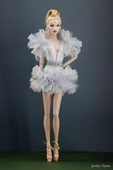 London Show Nadja (Jordan Stn) Tags: nadja nuface integritytoys fashionphotography fashiondoll fashionroyalty