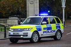 BX67 EVM (S11 AUN) Tags: london metropolitan police land rover range 4x4 seg special escort group anpr traffic car roads policing unit rpu 999 emergency vehicle metpolice fsu firearms support arv armed response royaltyandspecialistprotection bx67evm