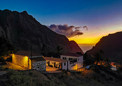 Masca - Tenerife (Alphonso Mancuso) Tags: tenerife islascanarias masca alphonsomancuso huaweip30pro españa europa travel atardecer horaazul outside cielo azul