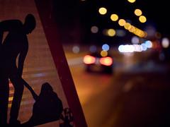 RM-2019-365-325 (markus.rohrbach) Tags: objekt bauwerk verkehrsweg strasse infrastruktur signal erscheinungsform licht thema fotografie nachtaufnahme projekt365 fahrzeug auto
