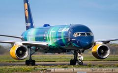 CDG   Icelandair 'Hekla Aurora' livery Boeing 757-200   TF-FIU (Timothée Savouré) Tags: tffiu icelandair hekla aurora special livery taxi taxiing borealis