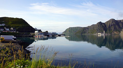 Morning in Honningsvåg (little_frank) Tags: serenemorning honningsvåg finnmark nature sea harbour norway reflection panorama waterscape landscape skyline norge norvegia noruega fjord northernnorway shore coast cloastline mirror mount mountain seacliffs peace peaceful silent serene morning epic wonderful beautiful