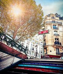 Metro - Paris (Ro Cafe) Tags: paris metro street city autumn travel urban nikkor1424mmf28 sonya7iii