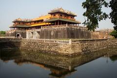 Foso y muralla (rraass70) Tags: canon d700 agua monumentos hue vietnam