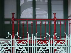 Double fenced friday (Shahrazad26) Tags: architectuur architecture gustavestrauven brussel brussels bruxelles belgium belgië belgique fence hek barrière artnouveau jugendstil