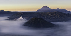 (dream.weaver.photography) Tags: indonesia java bromo mount caldera sunrise mist volcano canon 6d park may landscape panorama