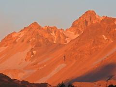Cerro Las Minas (Mono Andes) Tags: andes chile chilecentral cerrolasminas atardecer trekking backpacking regióndeñuble