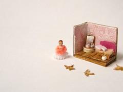 14-pink room (2) (tinyteensdolls) Tags: miniature micro mini microscale microroombox amigurumi artdoll amigurumidoll microcrochet minicrochet miniamigurumi toy tinyamigurumi threadcrochet handmade crochet microart dollhouseminiature dollhousefordollhouse dollfordolls dollroombox
