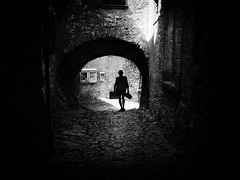 Campo di Brenzone, Italy (Sandy...J) Tags: atmosphere alone atmosphäre allein italy silhouette monochrom man mono mood light licht shadow walking urban noir darkness fotografie photography street streetphotography sw schwarzweis strasenfotografie stimmung olympus