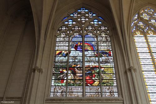 Château de Vincennes : vitrail de la Sainte-Chapelle