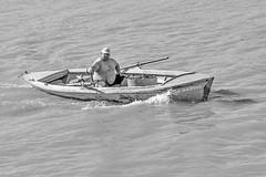 Boatman (Wal Wsg) Tags: sanpedro sanpedroargentina argentina argentinasanpedro phwalwsg boat lancha barco man hombre canon canonesorebelt6i canont6i byn bw blancoynegro blackandwhite monocromatico monocromatic dia day water agua rio rioparana outside provinciadebuenosaires