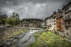 """... """"Nadie pudo saltar los puentes que nos conducían al sueño y del sueño a nuestros sueños y de nuestros sueños a la eternidad."""" ― Paul Eluard  --- (franma65) Tags: camprodon girona españa cataluña puente puentemedieval pueblo pueblosconencanto rio"""
