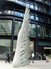 Sculpture on the Streets of the City of London, 6th August 2019 (4) (Phil Masters) Tags: london 6thaugust august2019 sculpture wing streetart cityoflondon