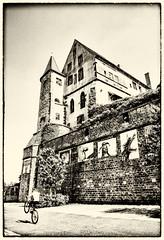 Streetphotographie in France, Saverne Elzas (ost_jean) Tags: blackwhite old nikon d5300 tamron sp af 1750mm f28 ostjean zwartwit