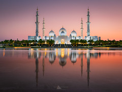Sheikh Zayed Grand Mosque, Abu Dhabi, UAE (https://fourcorners.photography) Tags: sheikhzayed sheikhzayedgrandmosque sheikhzayedmosque mosque abudhabi unitedarabemirates uae reflection wahatalkarama sunset peterboehringerphotography fourcornersphotography