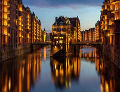 Speicherstadt / Hamburg / Germany (zilverbat.) Tags: duitsland zilverbat wallpaper waterfront longexposure pin tripadvisor travel trip longexposurebynight night nightphotography nightlights nightimage nightshot urban urbanvibes germany world water winter reflections reflectie europe speicherstadt hamburg city town de unesco classic warehouse district port of 1883 visit architecture brucke bridge brug heritage erfgoed elbschlösschen