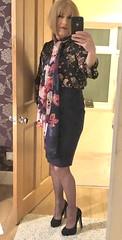 The slim and leggy PA 😘 (davinaleggs1) Tags: sheerstockings blackstockings sissy crossdress transvestite pencilskirt highheels stockings