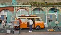 Eddie Lovebus (daveseargeant) Tags: brighton breeze 2019 seaside sea coastal event festival campervan camper vw volkswagen bus van nikon df 24mm 18g street eddie lovebus dj