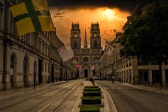 Orléans - Rue Jeanne-d'Arc - Cathédrale Sainte-Croix (Ventura Carmona) Tags: france francia frankreich centrevaldeloire orléans ruejeannedarc cathédralesaintecroix venturacarmona