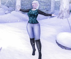 Catching Snowflakes (Teuila Porcelain (Ladainia inworld)) Tags: winter wonderland dreamcatcher stealthic albino reign blueberry glamaffair white cold sweater warmth