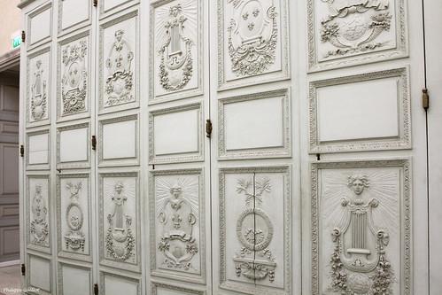 Château de Vincennes : armoires dans le Pavillon du Roi