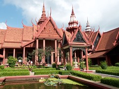 Inner courtyard of National Museum of Cambodia (yhila) Tags: museum phnompenh cambodia