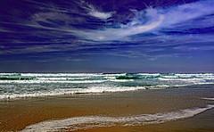 Le ciel est bleu, la mer est verte ... (Ciceruacchio) Tags: poetry poème poema coletterenard ocean oceano sea mer mare sky ciel cielo plage beach spiaggia atlanticcoast côteatlantique costaatlantica nouvelleaquitaine gironde gironda france francia frankreich nikon bleu blue blu vert green verde