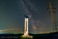 VIA LACTEA EN TETXEA (juan carlos luna monfort) Tags: rumania romania bihor nocturna night stars estrellas largaexposicion lightpainting nikond810 irix15 calma paz tranquilidad