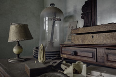 Maybe, haven't lost faith (JG - Instants of light) Tags: room corner furniture lamp oldthings religiousthings details abandoned forgotten decay dust cobwebs antiques quarto canto mobília luminária coisasvelhas coisasreligiosas detalhes abandonado esquecido decadência poeira teiasdearanha antiguidades urbex exploraçãourbana fotografiaurbana mundoperdido lugaresabandonados lugaresassustadores urbanexploration urbexphotography lostworld abandonedplaces creepyplaces nikon d5500 sigma 1020 portugal