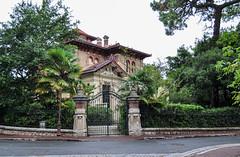 Villa Alexandre Dumas (balese13) Tags: 100nikon 1855mm alexandredumas arcachon d5000 gironde nikonpassion osiris yourbestoftoday balese nikon nikonistes pixelistes villa villedhiver 500v20f 1000v40f 1500v60f