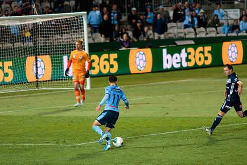 Sydney FC v Melbourne Victory Round 7-034.jpg