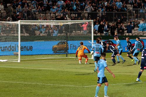Sydney FC v Melbourne Victory Round 7-029.jpg