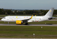 EC-NAJ Vueling A320neo (twomphotos) Tags: plane spotting eddm muc rwy26r colorfullspecial bestofspotting vueling airbus a320neo
