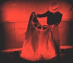 painting 2 (aficion2012) Tags: arles septembre 2017 aficionados practicos francia france corrida bullfight eral toro taureau tauromachie tauromaquia provence capote capa edited red duotone picasa traje de campero sombrero chapeau hat monochrome