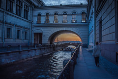 Coucher de soleil sur le pont de l'Ermitage - Saint Petersbourg (valecomte20) Tags: coucher de soleil sur le pont lermitage saint petersbourg russie nikon d750 sunset neva river bridge water national outside nikkor