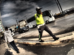 Traffic Police Istanbul (Klaus Wessel) Tags: olympus istanbul omd em1 bunt farbe police polizei street streetphotography streetlife