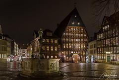 Hildesheim Marktplatz (Andreas Liwnskas) Tags: hildesheim knochenhaueramtshaus nachtaufnahmen niedersachsen norddeutschland fachwerk andreasliwinskas architektur ausflugsziel deutschland germany night