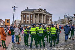 Police,Grote Markt,Groningen Stad,the Netherlands,Europe (Aheroy) Tags: police politie aheroy aheroyal groningen groningenstad street streetshot straat grotemarkt mensen people stadhuis city centrum dutchpolice polizei policia stad