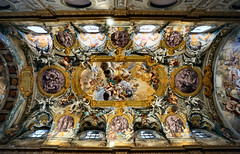 Ceiling of the Church of Nunziatina (Roberto Rubiliani) Tags: architettura architecture ancient antico arte art baroque barocco affreschi canon culture cultura chiesa church chiese dipinti dipinto eos6d fullframe history italia italy interni interiors museo museum opulenza past passato painting rubiliani robertorubiliani religion religione storia travel todi viaggio umbria