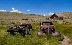 the famous car wreck of Bodie (kleiner_eisbaer_75) Tags: bodie historic state park usa california kalifornien town abandoned historisch alt old ghost geisterstadt ncg