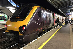 220015, Guildford, November 19th 2019 (Southsea_Matt) Tags: 220015 class220 voyager bombardier arriva crosscountry guildford surrey england unitedkingdom iphone7 november 2019 autumn dmu dieselmultipleunit transport vehicle train railway railroad night