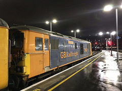 73962, London Waterloo, November 5th 2019 (Southsea_Matt) Tags: 73962 73124 73204 class73 gbrailfreight gbrf dieselelectriclocomotive testtrain networkrail londonwaterloo greaterlondon england unitedkingdom november 2019 autumn iphone7 train railway railroad vehicle transport night