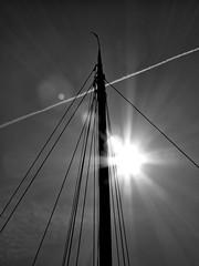 Beams (Mattijsje) Tags: lines flare lensflare flair lijnen beams rays stralen zonnestralen sun jet vliegtuig streep solar zonnig dots blauw blue sky lucht mast beam damp cloud